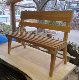欅のベンチ